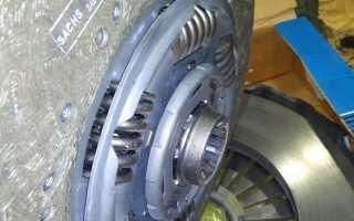 Какой стороной ставить диск сцепления к двигателю? Как правильно